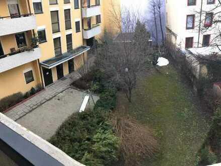 Stilvolle, gepflegte 4-Zimmer-Wohnung mit Balkon in Obergiesing, München