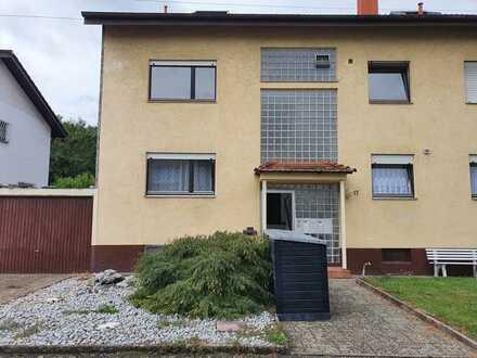 4 ZKB Wohnung mit Balkon in ruhiger Lage zu vermieten!