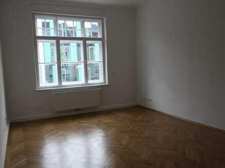 Schöne vier Zimmer Wohnung in München, Schwanthalerhöhe