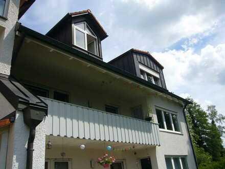 Schöne, helle 3-Zimmer-Wohnung im 1. OG mit Balkon in Dachau-Ost
