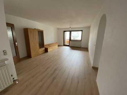 Renovierte 3-Raum-Wohnung mit Balkon und Einbauküche in Pforzheim