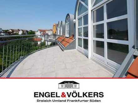Engel & Völkers Helle Maisonette-Wohnung mit Dachterrasse