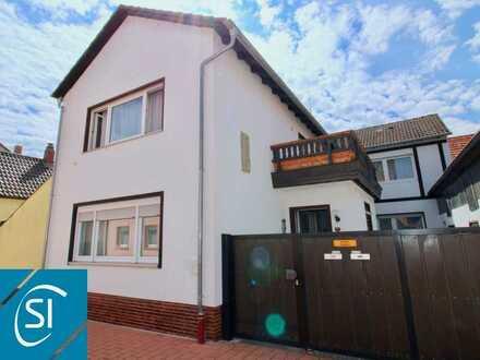 Platz für die ganze Familie... großzügiges und umfassend renoviertes Einfamilienhaus mit Innenhof