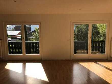 Erstbezug nach Sanierung mit Balkon: ansprechende 3-Zimmer-Dachgeschosswohnung in Riedstadt