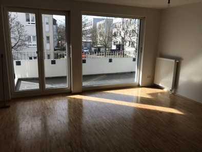 Geschmackvolle 4-Raum-Wohnung mit Balkon und EBK in Frankfurt