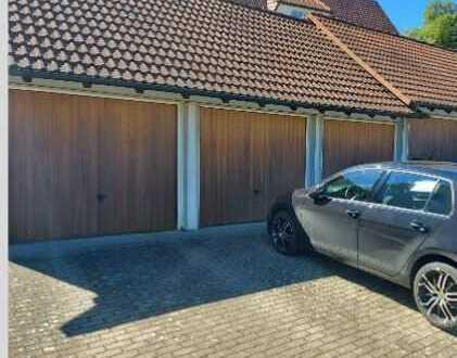 Ansprechende 2,0-Zimmer-Erdgeschosswohnung mit Garage und EBK in Detzeln
