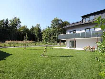 Luxus in Bestlage von Traunreut. Hochwertigst ausgestattete Neubau 2 Familien-Haushälfte. Erstbezug.