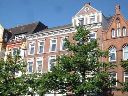 Holtenauer! Zentrale 4-Zimmer Altbauwohnung mitten in Kiel!