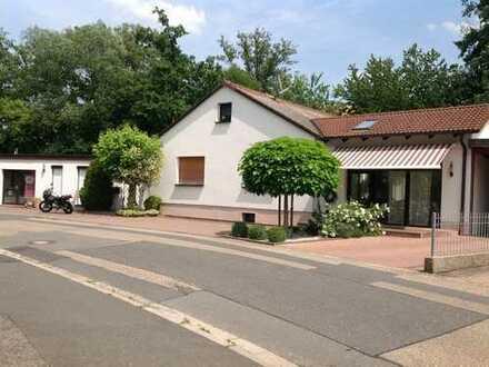 Viel Platz für Hund und Katz! Großzügiges Einfamilienhaus mit Wintergarten in Neunkirchen am Sand
