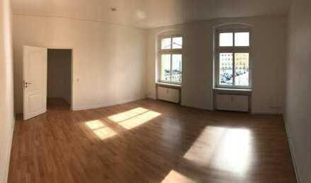 Sehr schöne 2 - Zimmer Wohnung neu Saniert!!!