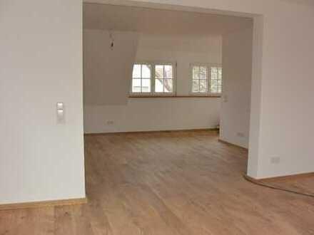 Geräumige drei Zimmer Maisionettewohnung in Freiburg im Breisgau, St. Georgen
