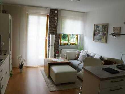 Kleine Wohnanlage: 1,5-Zimmer-Wohnung mit Balkon in Germering
