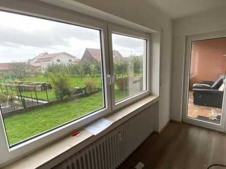 Oase im Grünen - kernsanierte 3-Zimmer-Wohnung im OG mit Balkon und Garten