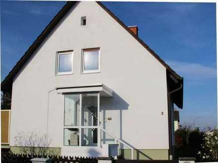 Provisionsfrei: Freistehendes gepflegtes Einfamilienhaus in ruhiger Ortsrandlage