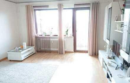 Sehr schöne, helle 3-Zimmer-Eigentumswohnung mit Balkon, PKW-Stellplatz