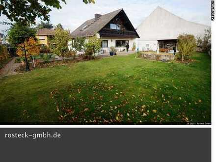 Freistehendes Komfort-Einfamilienhaus mit ELW
