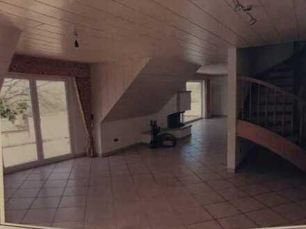 4-Zimmer-DG Maisonette-Whg in Feldrandlage mit Balkon in 63303 Dreieich