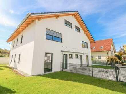 Moderne NEUBAU-Doppelhaushälfte mit High-End Ausstattung in Kirchseeon!