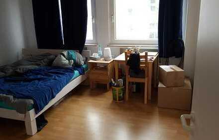 Freundliche 3-Zimmer-Wohnung mit Einbauküche und Balkon in Zollstock (zunächst bis Frühjahr 2020)