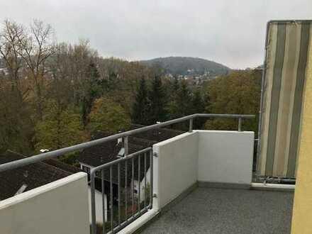 Exklusive 3-Zi.-Terrassen-Whg mit neuer Einbauküche und Fernblick in Grötzingen