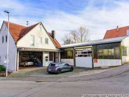 Wohngebäude mit 3 Garagen oder Werkstatt und separater Halle (Nutzfläche 220 m²)