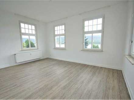Stilvolle 3,5-ZKB - Wohnung mit Rheinblick in Braubach - Außenfassade wird in kürze saniert!