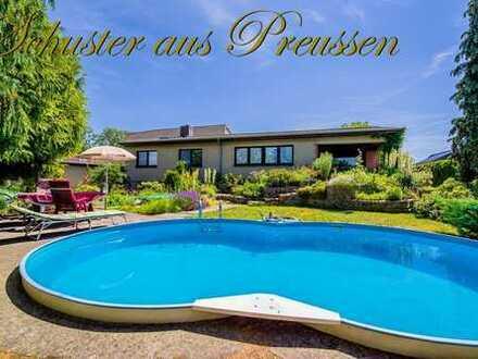 Schuster aus Preussen im Alleinauftrag - Karow, großes Grundstück mit solidem Haus, auf einer Ebe...