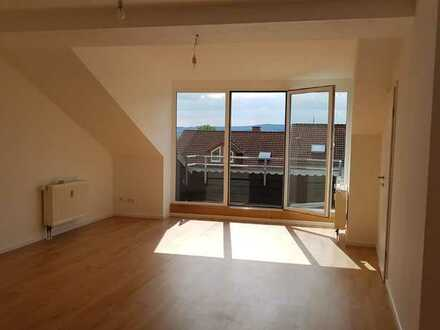 Erstbezug nach Sanierung: attraktive 3-Zimmer-Wohnung mit Balkon in Limburg-Weilburg (Kreis)