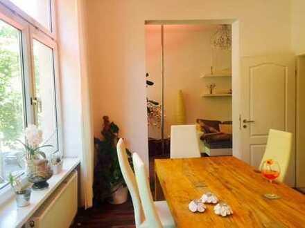 Hübsches Zimmer, sehr zentral, perfekte Anbindung, in wunderschöner Wohnung