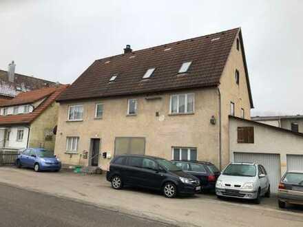 komplett vermietetes Mehrfamilienhaus mit ehemaliger KFZ-Werkstatt in Bolheim zu verkaufen.