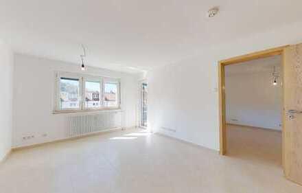 Vollständig renovierte 2-Zimmer-Wohnung mit zwei Balkonen in guter Lage