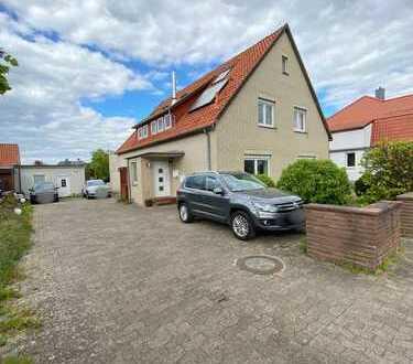 Großzügiges Zweifamilienhaus mit gr. Grundstück in Steinhude