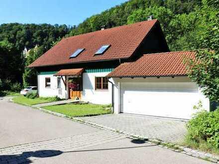 2-Familienhaus mit Einliegerwohnung und Doppelgarage