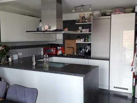 Modernisierte Maisonette-Wohnung mit zwei Zimmern sowie Balkon und Einbauküche in Rastatt (Kreis)