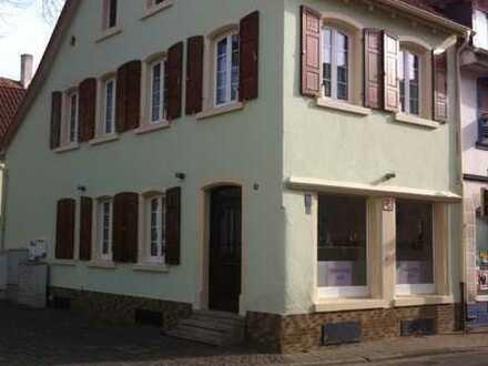 Geschäftshaus mit 2 Whg.im Herzen von Lambsheim zuverkaufen
