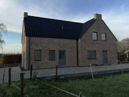 870 €, 116 m², 4 Zimmer