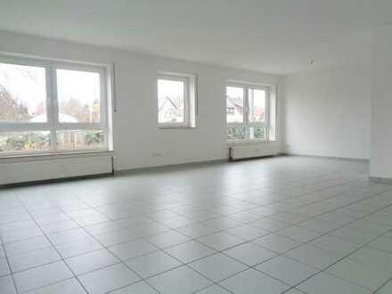 *Außergewöhnlich und modern* Imposante 3-Zimmer-Wohnung mit großem Balkon und Tageslichtbad
