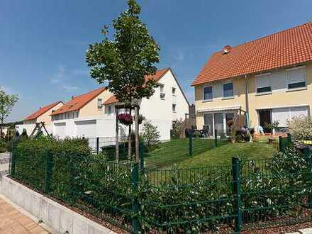 Schönes Reihenhaus für Familie mit drei Kindern in Selm-Bork!