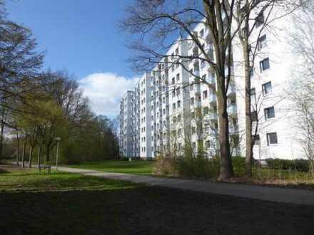 Vollständig renovierte 2-Zimmer-Wohnung mit Balkon in Bremen