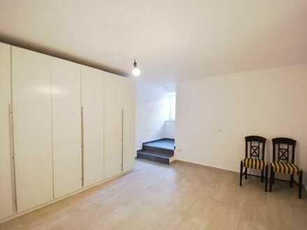 Innenstadtlage von Neustadt: 2 Gewerberäume, Küche, Bad im UG eines Wohn/Geschäftsgebäudes