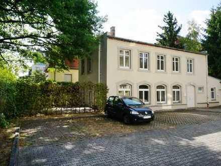 www.r-o.de +++ Ein Wohntraum über 2 Etagen - Genießen Sie die Ruhe im eigenen Hinterhaus