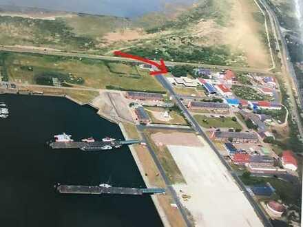 Modernisierte Büro- und Lagerflächen mit Wohnbereichen - Ideal für die Offshore-Branche