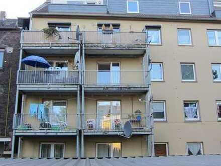 Schöne helle 2 Raum Wohnung mit Balkon im 2. OG