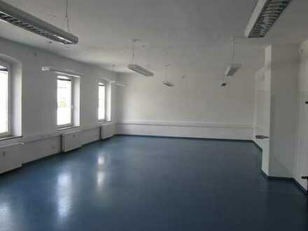 attraktive Büro-/Praxisräume im Bahnhof Weiden (Oberpf.) zu vermieten