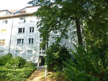 Aus 2, mach 3-Zimmer; Balkonwohnung in Nippes!