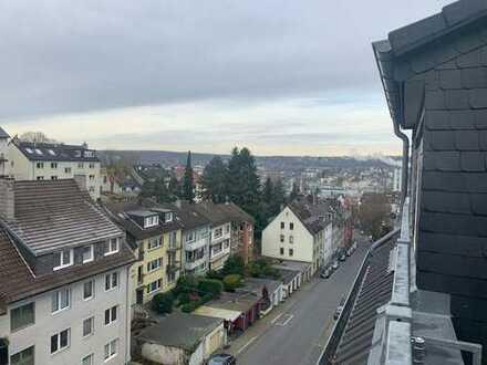 Modernisierte 10-Zimmer-Dachgeschosswohnung im Fischertal mit traumhaftem Blick über Wuppertal