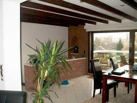 Großzügige Maisonette Wohnung in Merkenich von Privat
