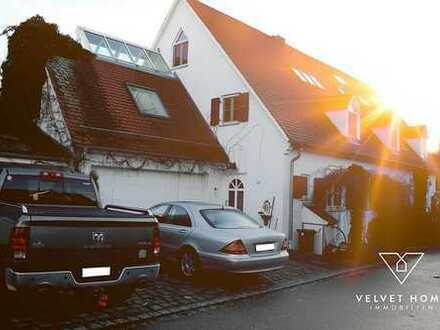 Exklusives Haus mit 234m² Wfl. – inkl. 116m² Gewerbe/Praxis – 3 Garagen u. großer Garten – in Mering