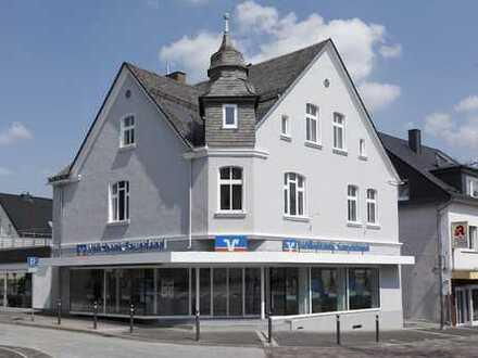 Bürohaus mit Ladenlokal in Gründerzeit-Haus zu vermieten