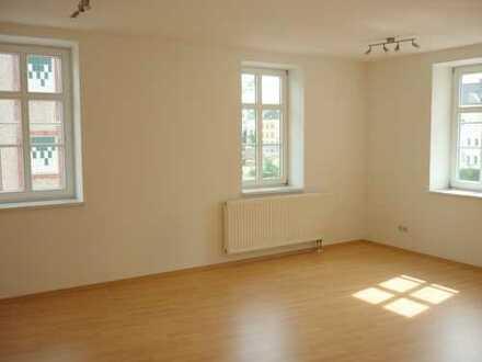 2-Raum-Wohnung mit großem Wohnzimmer im Zentrum von Döbeln!